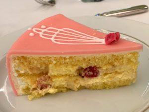 ケーキの色もかわいい