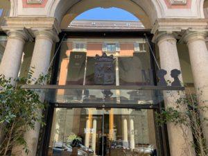 ポルディ ペッツォーリ美術館入り口