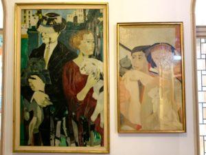 玄関にある夫妻の肖像画