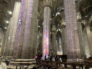 ミラノの大聖堂(ドゥオモ)内部